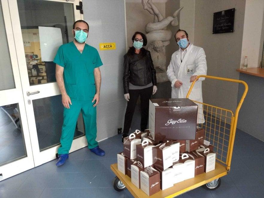 Gay-Odin regala uova di cioccolato ai bambini ricoverati al Pausilipon