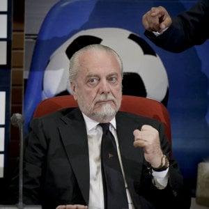 """Napoli, De Laurentiis scrive ai tifosi del Napoli: """"So che il calcio vi manca, ma presto tornerà"""""""
