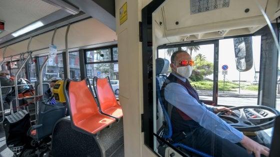 Fase 2 a Napoli, ecco il piano dell'Anm sul metrò passeggeri dimezzati