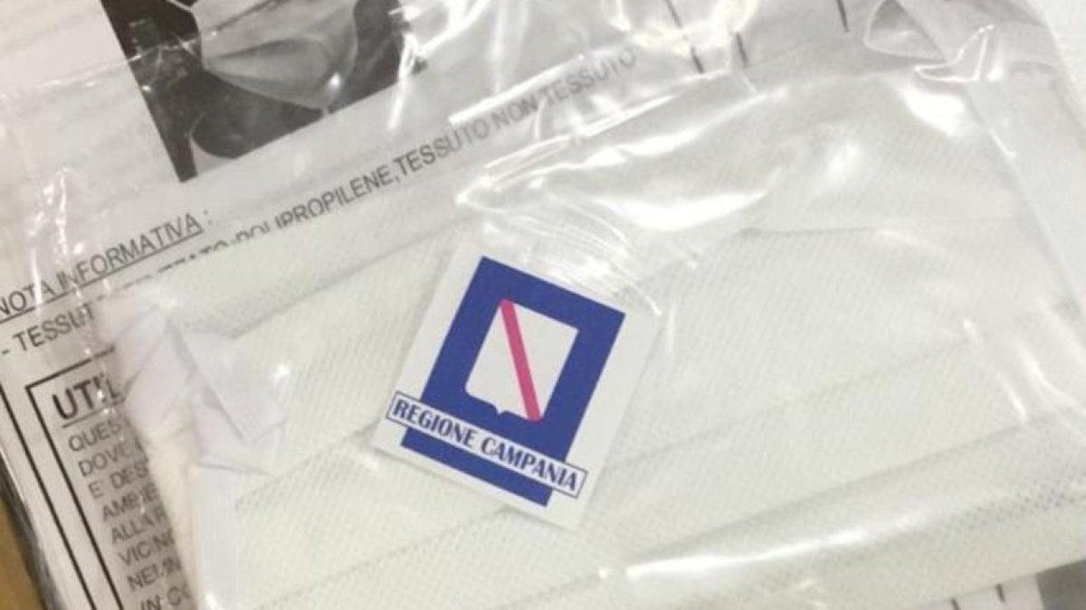 Cucine Usate Campania Napoli tre milioni di mascherine avranno il logo della regione