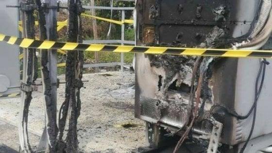 Maddaloni, antenne bruciate per la paura del 5G: cittadini senza linea