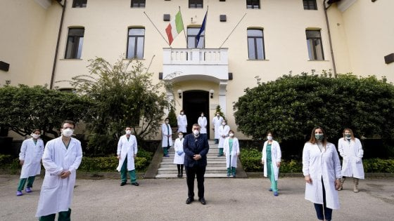 Campania, tamponi: blitz dei carabinieri all'Istituto Zooprofilattico