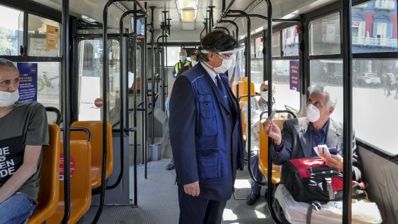 """Bus fermi a Napoli, Anm: """"Azioni disciplinari per autisti. Esposto in Procura"""""""
