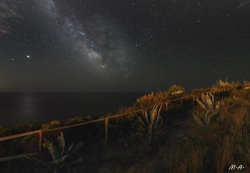 Lo spettacolo della via Lattea nella notte di Ischia