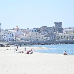 Capri, Ischia e Procida, falsa partenza della stagione balneare: lidi ancora chiusi