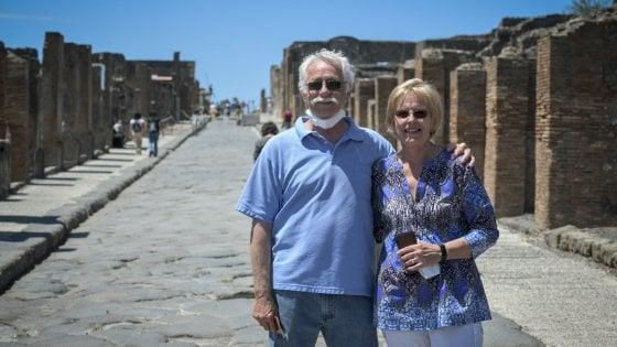 """I tre mesi di quarantena a Pompei di due turisti Usa: """"Dovevano essere solo tre settimane, ma siamo stati benissimo"""""""