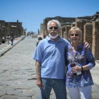 """I tre mesi di quarantena a Pompei di due turisti Usa: """"Dovevano essere solo tre ..."""
