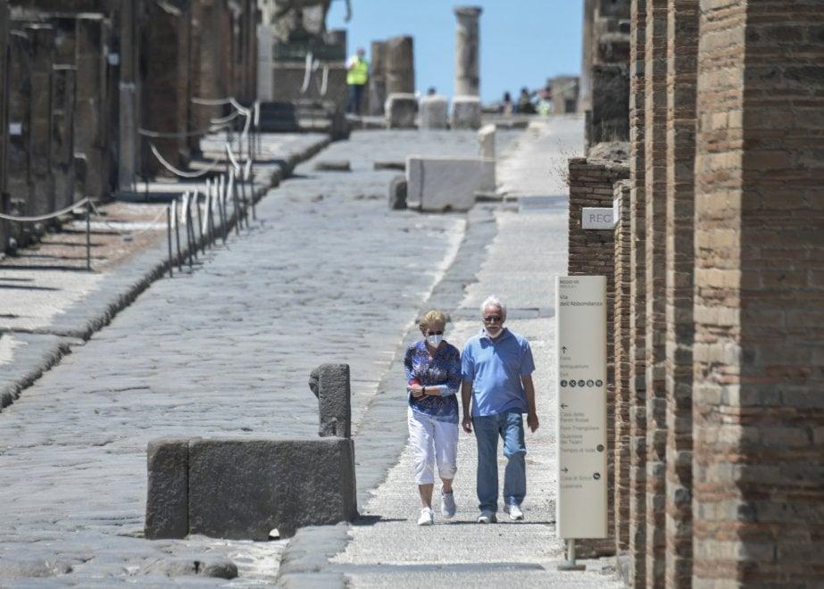 """Marvin e Colleen, i due turisti americani """"bloccati"""" da tre mesi a Pompei per il lockdown"""