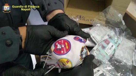 Fabbrica abusiva di mascherine: 4000 pezzi per bambini con loghi falsi