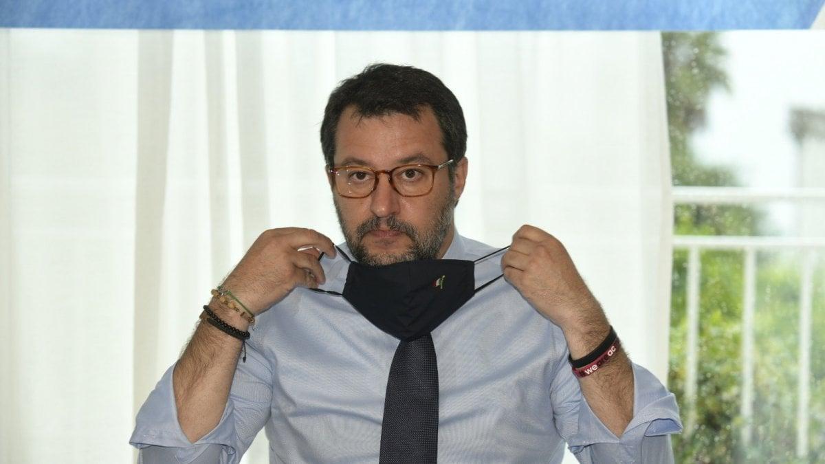 """Salvini: """"Berlusconi parla come Renzi, Non lo capisco. Governo Draghi? Dopo Conte c'è solo il voto"""""""