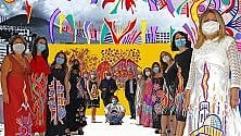 Donne del Pascale modelle con abiti d'arte