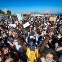 Napoli, in molti per ricordare George Floyd al presidio davanti al Consolato Usa