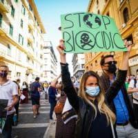 Napoli, ambiente: protesta della rete Stop Biocidio davanti alla Regione