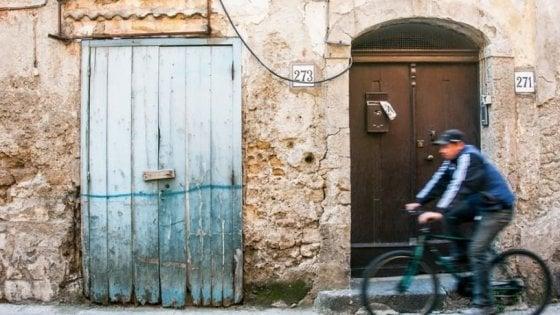 Ischia, Capri e Procida: arriva il divieto di sbarco per le auto
