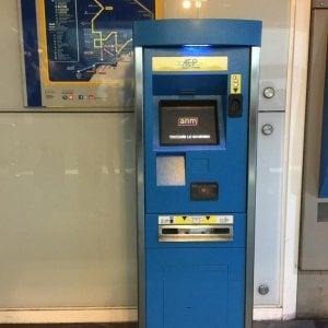 Napoli, Metro linea 1: arrivano 7 nuove emettitrici di biglietti self service