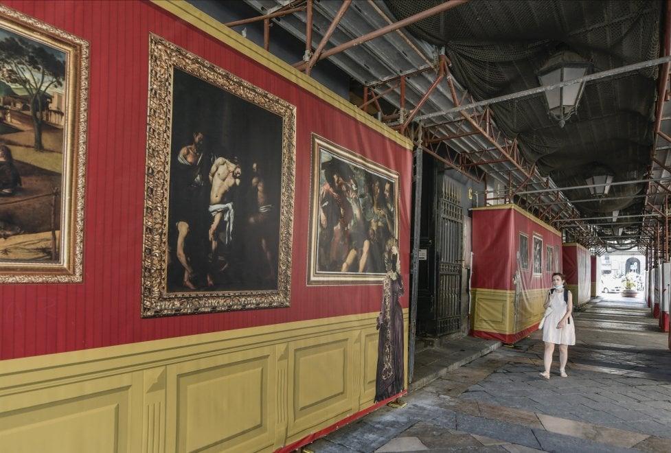 """Napoli, teatro San Carlo: portici bonificati, """"ma ora serve sorveglianza"""""""
