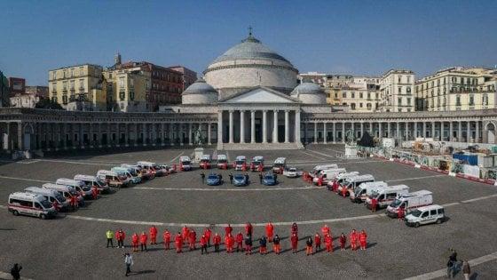 Napoli, messa al Plebiscito con il cardinale Sepe per vittime ed eroi del Covid