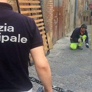 Napoli, rimossi paletti abusivi ai Quartieri Spagnoli