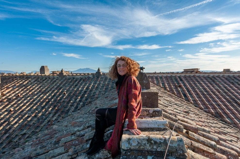 Tiziana Maffei: un anno alla guida alla Reggia di Caserta, lo scatto sui tetti del monumento