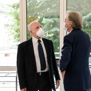 Coronavirus, nuova ordinanza sui lavoratori stagionali nelle aziende e sulle mascherine