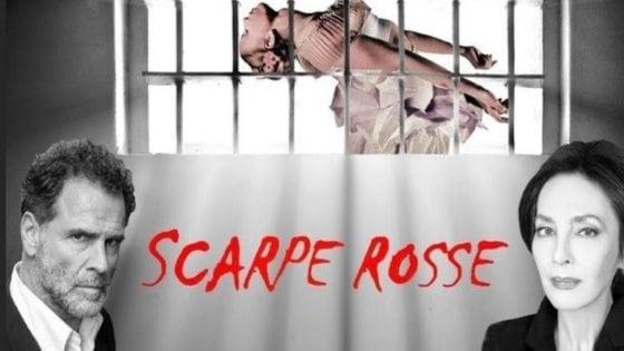 """Napoli Teatro Festival, Maria Rosario Omaggio in """"Scarpe rosse"""""""