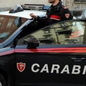 Caserta, dopo una lite aggredisce i carabinieri. Arrestato 38enne