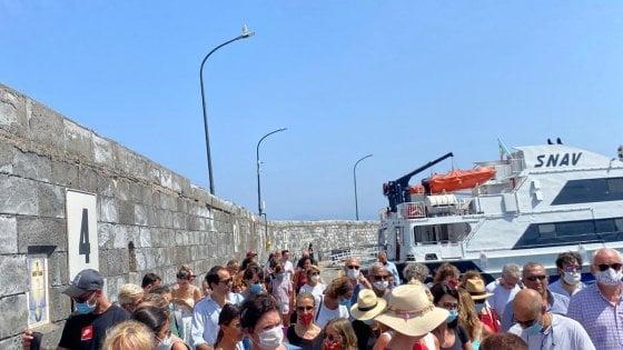 """Capri, ressa agli imbarchi: """"Porto senza controllo, così non va"""""""