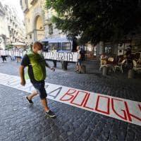 """Strage Bologna, a Napoli destra in piazza: """"Nessuno di noi c'era"""""""