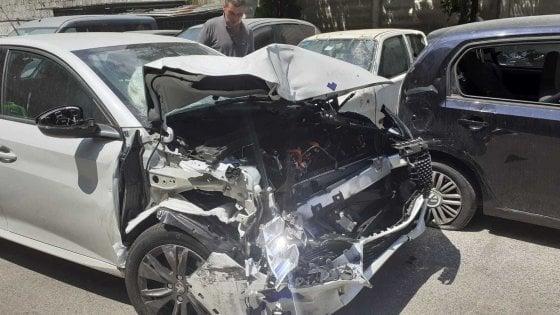 Car sharing, a Napoli 5 auto elettriche danneggiate in un mese