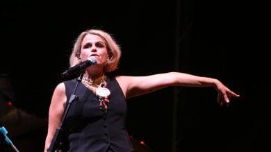 """Tosca a Napoli, bloccato il concerto a San Martino: """"Io, fermata mentre cantavo, mi hanno staccato la corrente"""""""