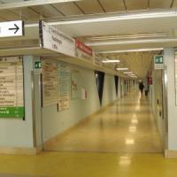 Potenza, caos San Carlo: lunghe liste di attesa, geriatria chiuso ai visitatori