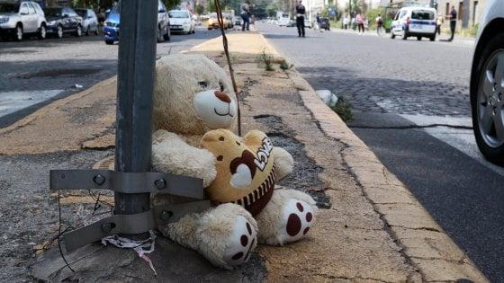 """Napoli, l'incidente di piazza Carlo III, il 21enne alla guida: """"Sono distrutto, non ho visto quelle ragazze"""""""