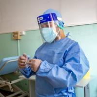 Coronavirus, in Campania il contagio sale: pochi tamponi, ma ci sono 14