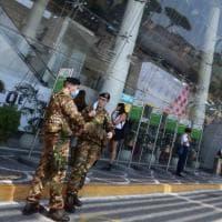 Napoli, i primi arrivi a Capodichino dopo l'obbligo di quarantena per chi rientra dall'estero