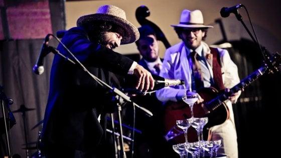 """Rolling Sponzing Review"", il concerto di Capossela per lo Sponz Fest"