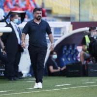 Napoli pronto al debutto in campionato con il Parma, nonostante la trasferta