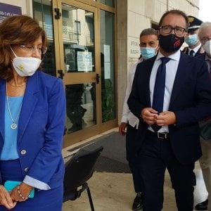 Il ministro della Giustizia, Bonafede, in visita a sorpresa a Santa Maria Capua Vetere