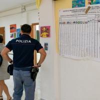 Campania,  ignoti in un  seggio irpino, accuse di brogli tra i candidati