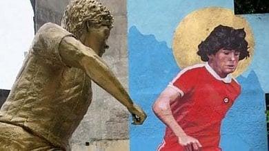 Maradona, statua e murales vicino stadio dove debuttò
