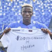 """""""End Police Brutality in Nigeria"""", la denuncia scritta sulla maglia di Osimhen"""
