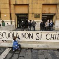 Covid, la nota della Regione Campania con la riapertura delle scuole è una fake news