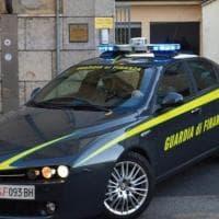 Salerno, farmaci dopanti nel bagagliaio: due denunciati