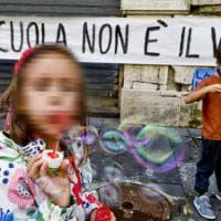 """Azzolina scrive a De Luca: """"La didattica integrata insieme alla presenza per le superiori"""""""