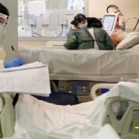 Coronavirus in Campania, lieve calo dei contagi: oggi  1.718 positivi, ma