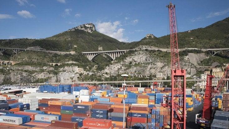 Migranti Porto Di Salerno 26 Clandestini Nei Container La Repubblica