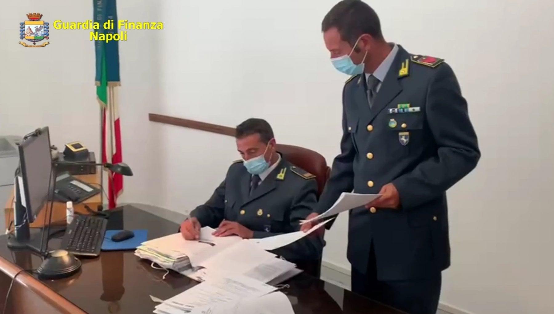 Ischia 2 Hotel Non Versano Tassa Soggiorno Sequestrati Beni Per 200mila Euro La Repubblica