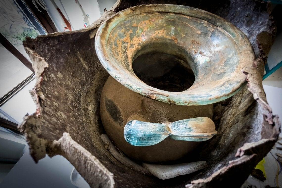 090120516 3cb708c9 4a14 4e89 adf8 ef8572a1b0d4 - Pompei, scoperta una tomba unica con un corpo semi mummificato