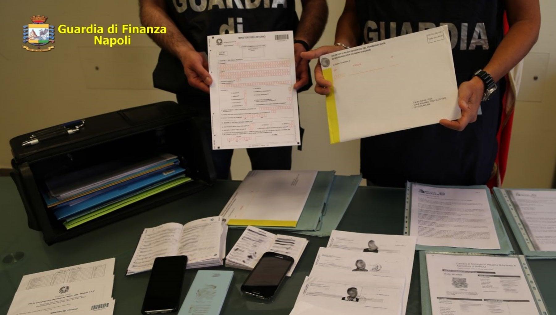 093442259 129ded13 75cc 4da6 ab2d 0269ca335925 - Napoli, antiterrorismo: arrestati 7 pakistani per ricettazione e contraffazione di documenti