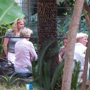 Sequestrano i turisti e li rapinano durante la visita a San Giovanni degli Eremiti