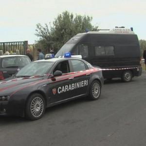 Mafia, agguato nel Catanese. Ucciso un ex ergastolano, ferita la moglie